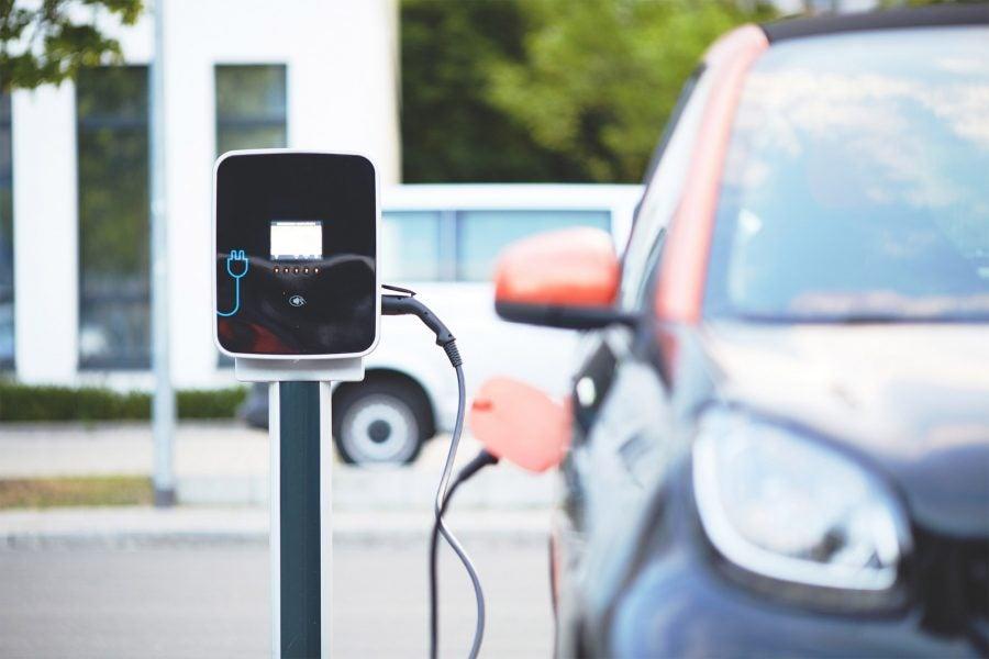 electric-car-2500-900x600